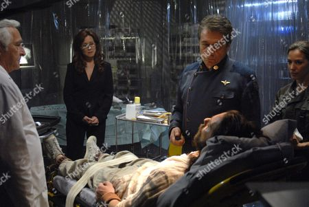 Donnelly Rhodes, James Callis, Mary McDonnell, Edward James Olmos, Kerry Norton