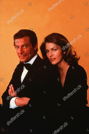 Roger Moore, Lois Chiles