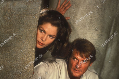 Lois Chiles, Roger Moore