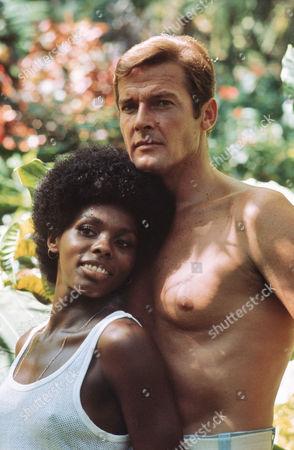 Gloria Hendry, Roger Moore