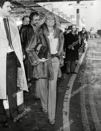 Actress Farrah Fawcett Majors At Heathrow Airport Today. Box 703 702081642 A.jpg.