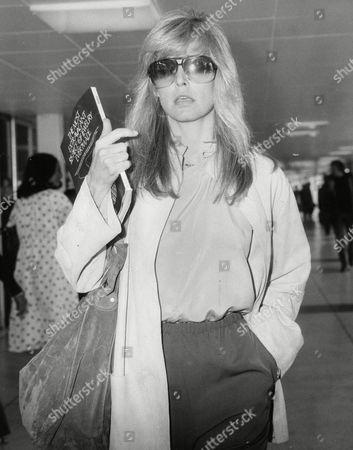 Actress Farrah Fawcett Majors At Heathrow Airport. Box 703 702081641 A.jpg.