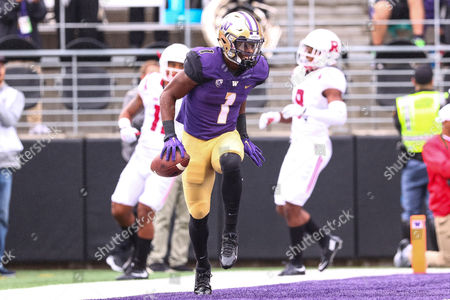 Washington's John Ross III (1) dances in the endzone after scoring during the a game between the Washington Huskies and Rutgers Scarlet Knights at Husky Stadium in Seattle, WA on , 2016. Washington defeated Rutgers 48-13