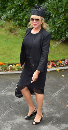 Cilla Black Funeral - Patti Boyd Arrives At St.mary' Rc Church Woolton Liverpool Merseyside. - 20/8/15.
