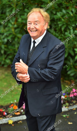 Cilla Black Funeral - Gerry Marsden Arrives At St.mary' Rc Church Woolton Liverpool Merseyside. - 20/8/15.