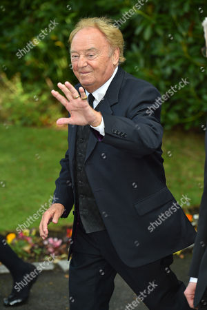 Stock Image of Cilla Black Funeral - Gerry Marsden Arrives At St.mary' Rc Church Woolton Liverpool Merseyside. - 20/8/15.