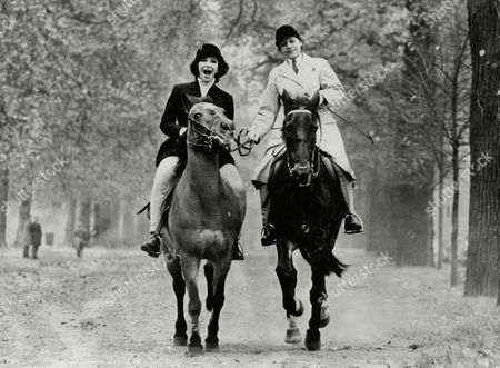 Actress Fenella Fielding Learning To Ride For Her Next Film. She Is Pictured On George On Of Mrs Dixon's Horses From The Knightsbridge School Of Riding. Box 703 40208168 A.jpg.