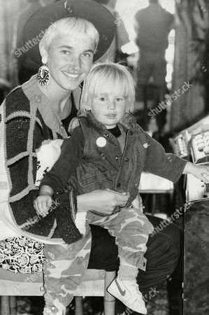 Jenny Fleming Wife Of Tennis Player Peter Fleming With Two-year-old Son Joe At The Queens Club. Box 704 90408162 A.jpg.
