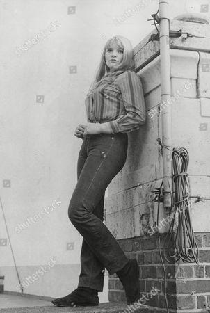 Dana Gillespie Pop Singer (a.k.a.): Richenda Antoinette De Winterstein Gillespie The British Junior Water-ski Champion. Box 705 905081628 A.jpg.