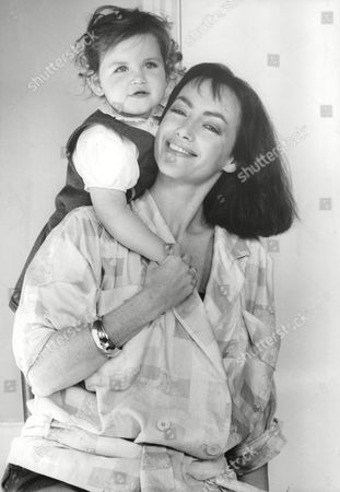Actress Susan Gilmore With Her Daughter Emma. Box 705 905081638 A.jpg.
