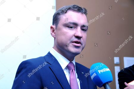Estonian Prime minister Taavi Roivas warned the politicians that if they will finally not cooperate for the common goal Estonia will be without a new president after current president Toomas Hendrik Ilves will leave on October 2016.