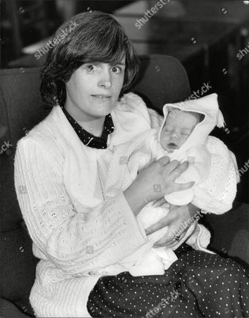 Mrs Sheila Gordon Wife Of Pc John (jon) Gordon Who Lost Both Legs In The Ira Bombing Of Harrods Last Year Pictured With Their Baby Boy Called Stuart. Box 706 30308166 A.jpg.