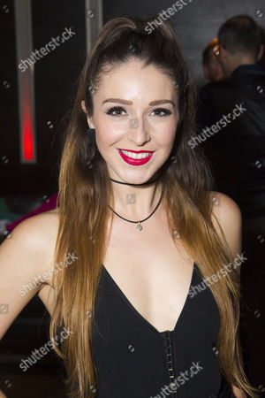 Cordelia Farnworth (Nicola)