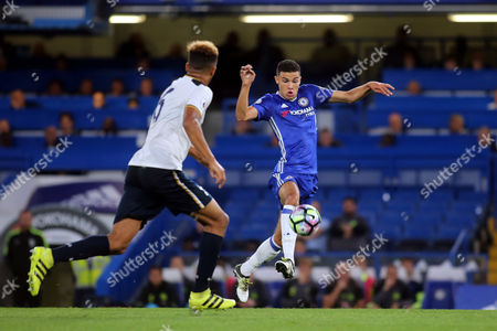 Isaac Christie Davies of Chelsea in possession during Chelsea Under-23 vs Tottenham Hotspur Under-23, Premier League 2 Football at Stamford Bridge on 9th September 2016