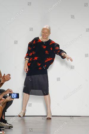 Stock Photo of Mona Kowalska on the catwalk