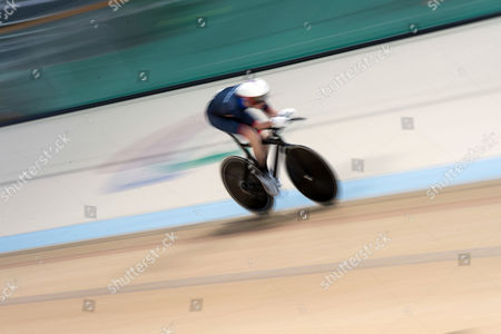 Jody Cundy Britain's Jody Cundy competes to win the gold in the men's final C4-5 1,000-meter time trial cycling event during the Paralympic Games at the Olympic Velodrome in Rio de Janeiro, Brazil