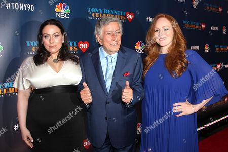 Joanna Bennett, Tony Bennett, and Antonia Bennet