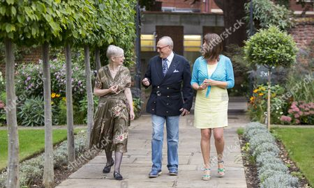 Baron Donat von Richthofen, great-nephew of Manfred von Richthofen, the Red Baron,  Jill  Bush  (wearing blue & yellow), cousin of 2 nd Lieut. Lionel Morris  (former Whitgift pupil)  and Meriel Jones  (wearing floral dress),  great-niece  of Capt. Tom Rees,