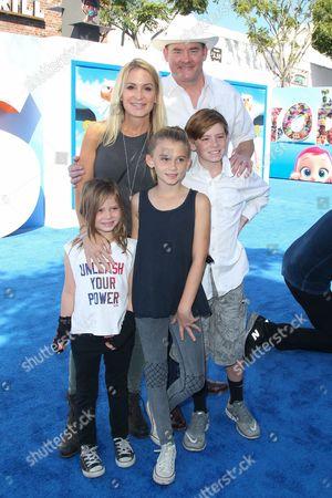 David Koechner, Leigh Koechner and family