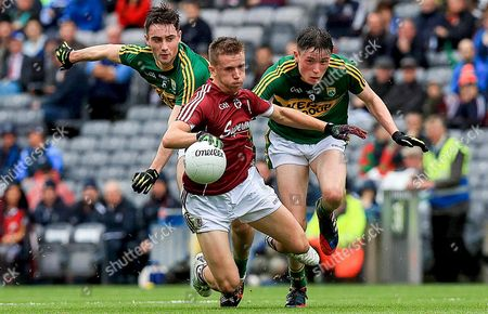 Galway vs Kerry. Ryan Forde of Galway with Daniel O'Brien and Mark Ryan of Kerry