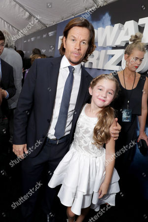 Mark Wahlberg, Stella Allen