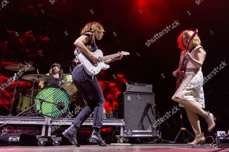 Sleater-Kinney - Janet Weiss, Carrie Brownstein and Corin Tucker