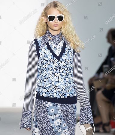 Frederikke Sofie on the catwalk