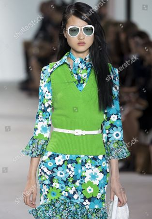 Jing Wen on the catwalk