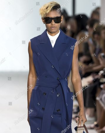 Stock Photo of Ysaunny Brito on the catwalk