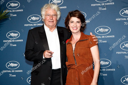 Irene Jacob, right, and director Jean-Jacques Annaud