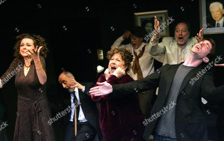 Stock Picture of 'Sit and Shiver' - Catherine Bailey, Barry Davis, Sue Kelvin, Bernice Stegers, Saul Reichlin and Iddo Goldberg