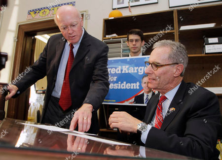 Fred Karger, Bill Gardner New Hampshire Secretary of State Bill Gardner, left, helps Republican presidential candidate, Fred Karger, file his papers to be on the ballot for the New Hampshire presidential primary, in Concord, N.H
