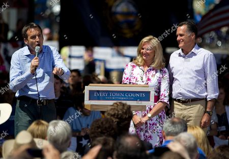 Mitt Romney, Tim Pawlenty, Ann Romney Former Minnesota Gov. Tim Pawlenty, left, introduces Republican presidential candidate, former Massachusetts Gov. Mitt Romney, and his wife Ann, during a campaign stop in Milford, N.H