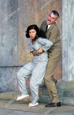 The Taming of the Shrew - Sirine Saba ( Katherina ) and John Hodgkinson ( Pertrucio )