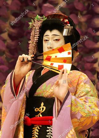 Spirit of the Wisteria - Ebizo Ichikawa XI