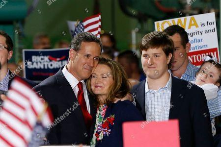 Editorial photo of GOP 2016 Santorum, Cabot, USA
