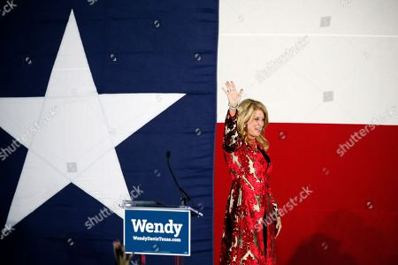 Wendy Davis, Election Texas Democratic gubernatorial candidate Wendy Davis waves to supporters as she leaves her election watch party after making her concession speech, in Fort Worth, Texas