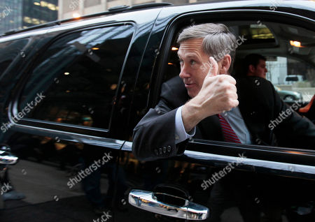 Mark Kirk Republican Sen.-elect Mark Kirk gives the thumbs up after greeting commuters at a downtown Chicago train station Wednesday morning, following his victory over Democrat Alexi Giannoulias for President Barack Obama's old Senate seat