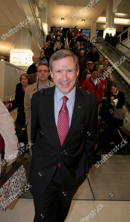 Mark Kirk Republican Sen.-elect Mark Kirk smiles as he leaves a downtown Chicago train station after greeting commuters Wednesday morning, following his win over Democrat Alexi Giannoulias