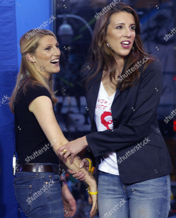 KERRY Vanessa Kerry, left, and Alex Kerry, daughters of Democratic presidential candidate Sen. John Kerry, react before taping an interview with MTV's news correspondent Gideon Yago, during an appearance at MTV's studios in New York. The Kerry daughters reminded viewers of the importance of getting out to vote on election day