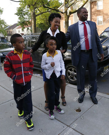 Shavar Jeffries, Naomi Jeffries, Kaleb Jeffries, Tenagne Girma-Jeffries Newark mayoral candidate Shavar Jeffries, right, walks with his wife, Tenagne Girma-Jeffries, and their children, Kaleb Jeffries, 9, left, and Naomi Jeffries as they arrive at a polling place, in Newark, N.J. Tuesday's election will decide whether Jeffries, a former state assistant attorney general, or his opponent, City Councilman Ras Baraka, will take over the seat Cory Booker occupied from 2006 until October 2013, when he won a special election to succeed U.S. Sen. Frank Lautenberg, who died in office