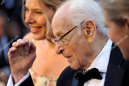 Eli Wallach Eli Wallach arrives before the 83rd Academy Awards, in the Hollywood section of Los Angeles