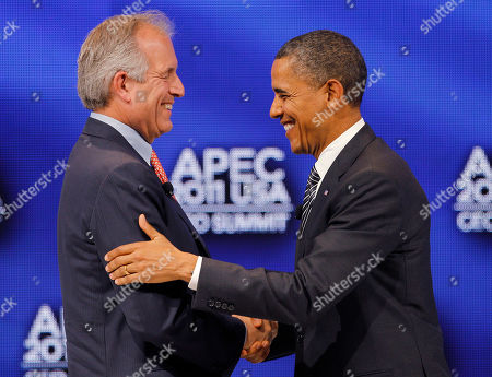 Barack Obama, W. James McNerney U.S. President Barack Obama, right, shakes hands with W. James McNerney, Jr., chairman, president and CEO of Boeing Company after participating in a discussion at the APEC CEO Summit, a gathering of business leaders at the Asia-Pacific Economic Cooperation summit, in Honolulu