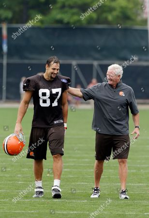Jimmy Haslam, Dan Gronkowski Cleveland Browns owner Jimmy Haslam jokes with tight end Dan Gronkowski (87) at the NFL football team's practice facility in Berea, Ohio