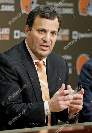 Mike Lombardi Mike Lombardi, the Cleveland Browns vice president of player personnel, answers questions during his introductory news conference at the NFL football team's practice facility in Berea, Ohio