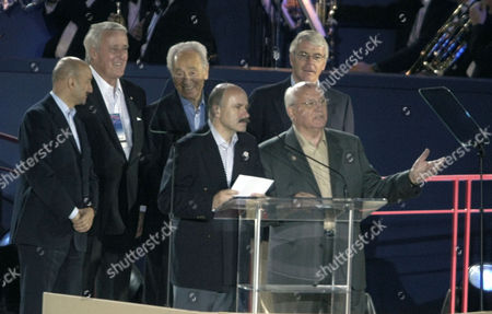 MAJOR Former Russian President Mikhail Gorbachev, front right, backed by Carlos Salinas de Gortari of Mexico, left, Brian Mulroney of Canada, Shimon Peres, of Israel and John Major of England at the 80th birthday celebration for former President George H.W. Bush, in Houston. An unidentified interpreter stands beside Gorbachev