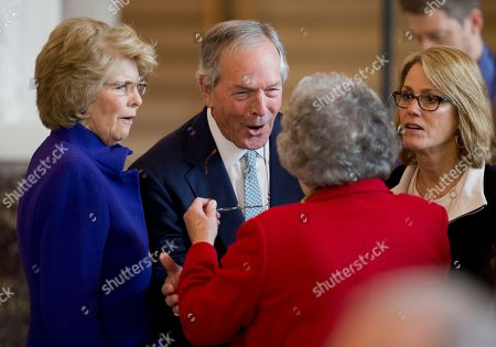 Don Evans, Tricia Lott Former Secretary of Commerce Don Evans, center, and Tricia Lott, left, wife of former U.S. Senate Majority Leader Trent Lott, attend the unveiling of Vice President Dick Cheney's marble bust in the Emancipation Hall at the U.S. Capitol in Washington