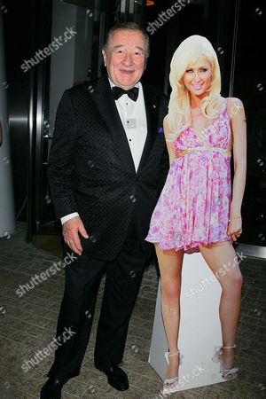 Sirio Maccioni with Paris Hilton cardboard cutout
