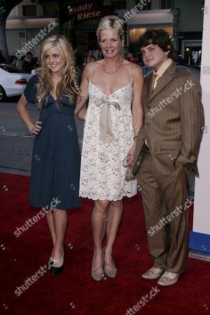 Lorraine Nicholson, Rebecca Broussard and Raymond Nicholson