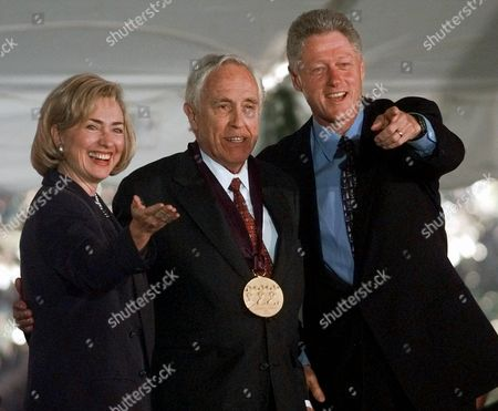 CLINTON ROBARDS President and Mrs. Clinton flank actor Jason Robards after presenting him with a 1997 National Medal of Arts award, at the White House